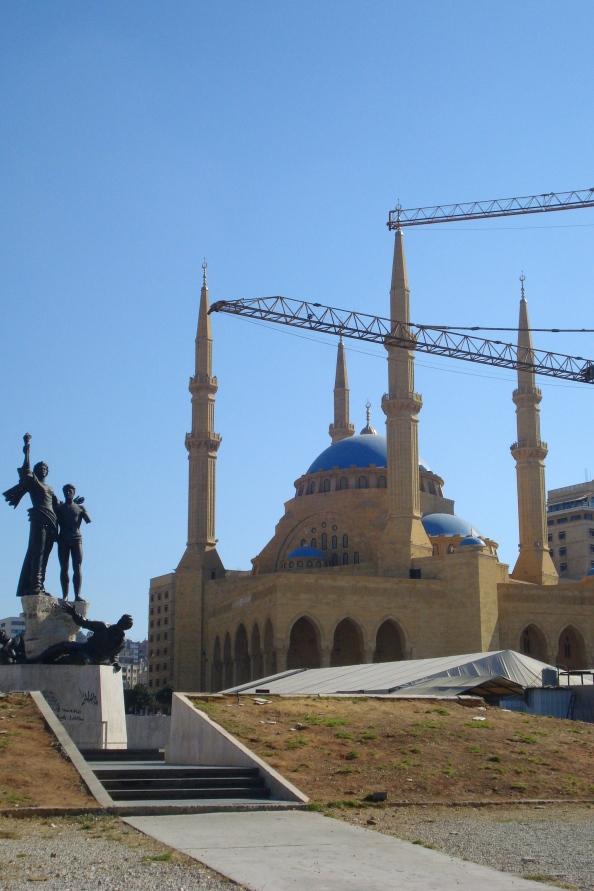 La place des Martyrs, les baches de la tombe Hariri et la mosquée El-Amine.