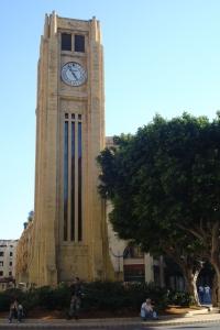 L'horloge, coeur du centre ville.