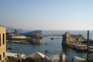 Le vieux port (et ses détrituts).