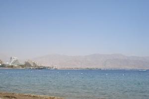 Aqaba et les côtes jordaniennes, depuis Eilat.