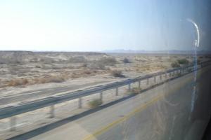 Le désert de Néguev. La route repart vers le nord.